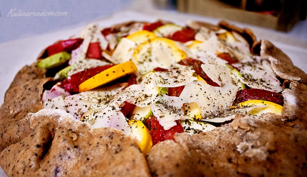Kulinarendom_pie_tomatoes_zucchini