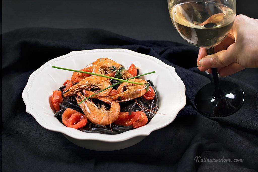Kulinarendom_Spaghetti-al-Nero-di-sepia_2